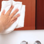 Limpar vidros sem deixar manchas