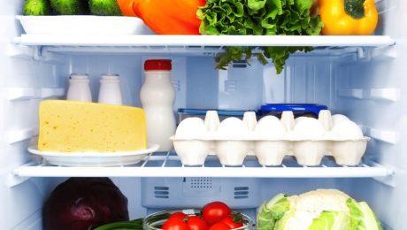 Guardar alimento na geladeira